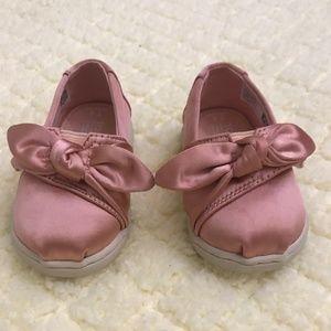 Toms Shoes - TOMS Satin Bow Size 4